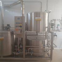 Vendesi impianto completo 2,5 hl, inclusi fermentatori e linea di imbottigliamento semiautomatica