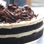 Torta multistrato al cacao e chocolate stout