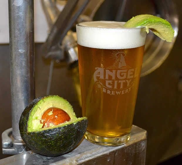 Birra all'avocado: delizia o fenomeno borderline?