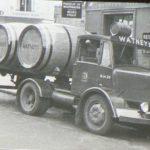 Ricordi dal Regno Unito: guidereste questi autocarri pieni di birra?