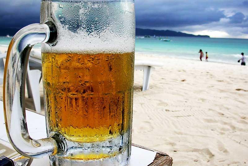 Emergenza spiaggia: come tenere la birra artigianale al fresco?