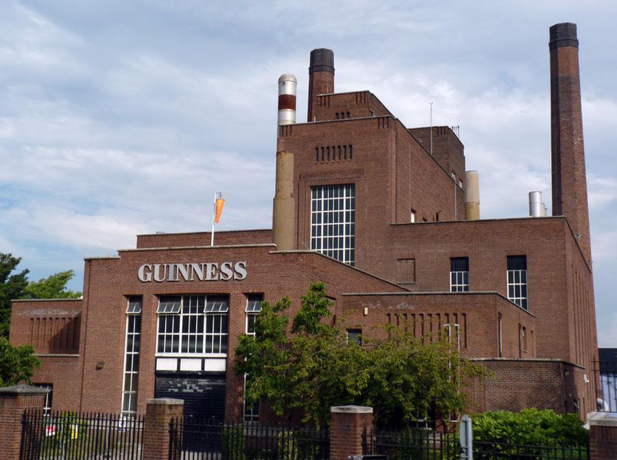 Guinness: la birra invenduta in  lockdown diventa fertilizzante per gli alberi di Natale!