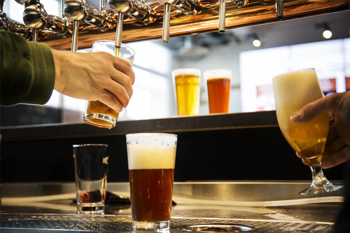 Birra e gin di qualità in festa da Eataly Lingotto