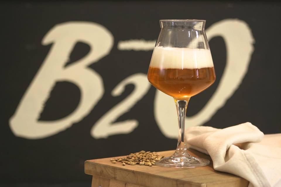 """A Bibione un birrificio che porta nel nome """"la formula chimica della birra artigianale"""""""