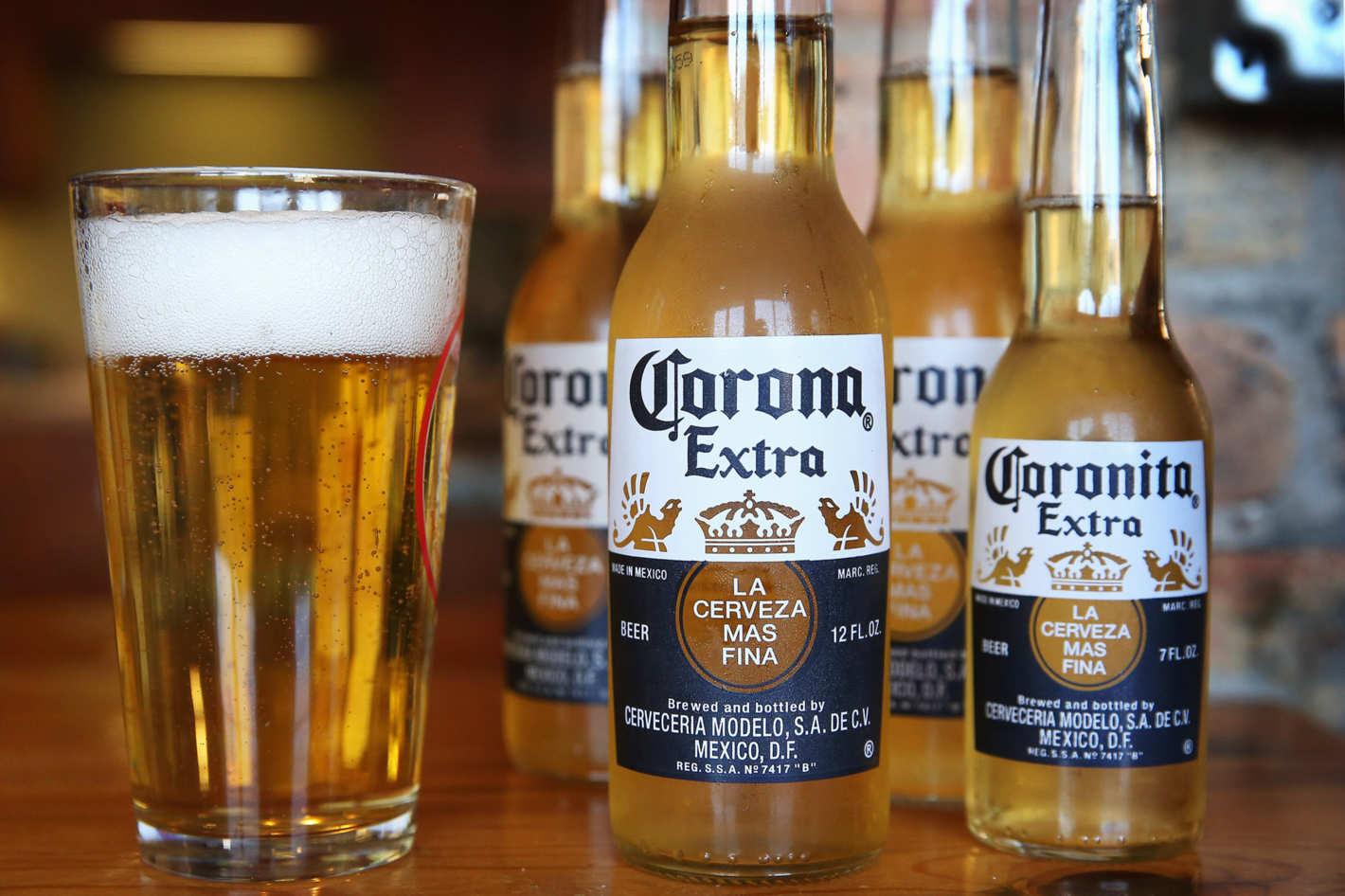 Coronavirus, la birra Corona ferma la produzione
