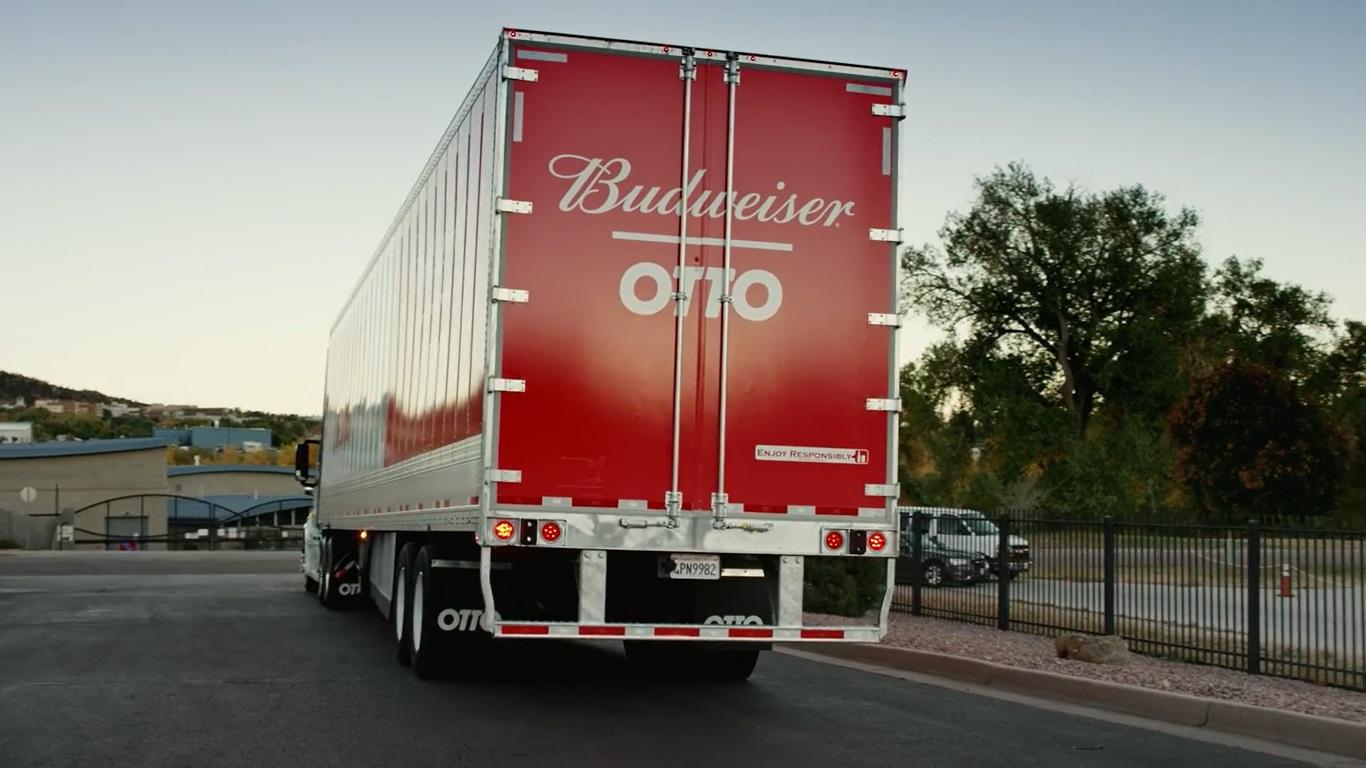 Otto: il camion a guida autonoma, che consegna la birra senza autista!