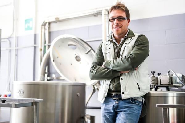 Dom Byron Beer: Icarus, Febus e tanta produzione per conto terzi