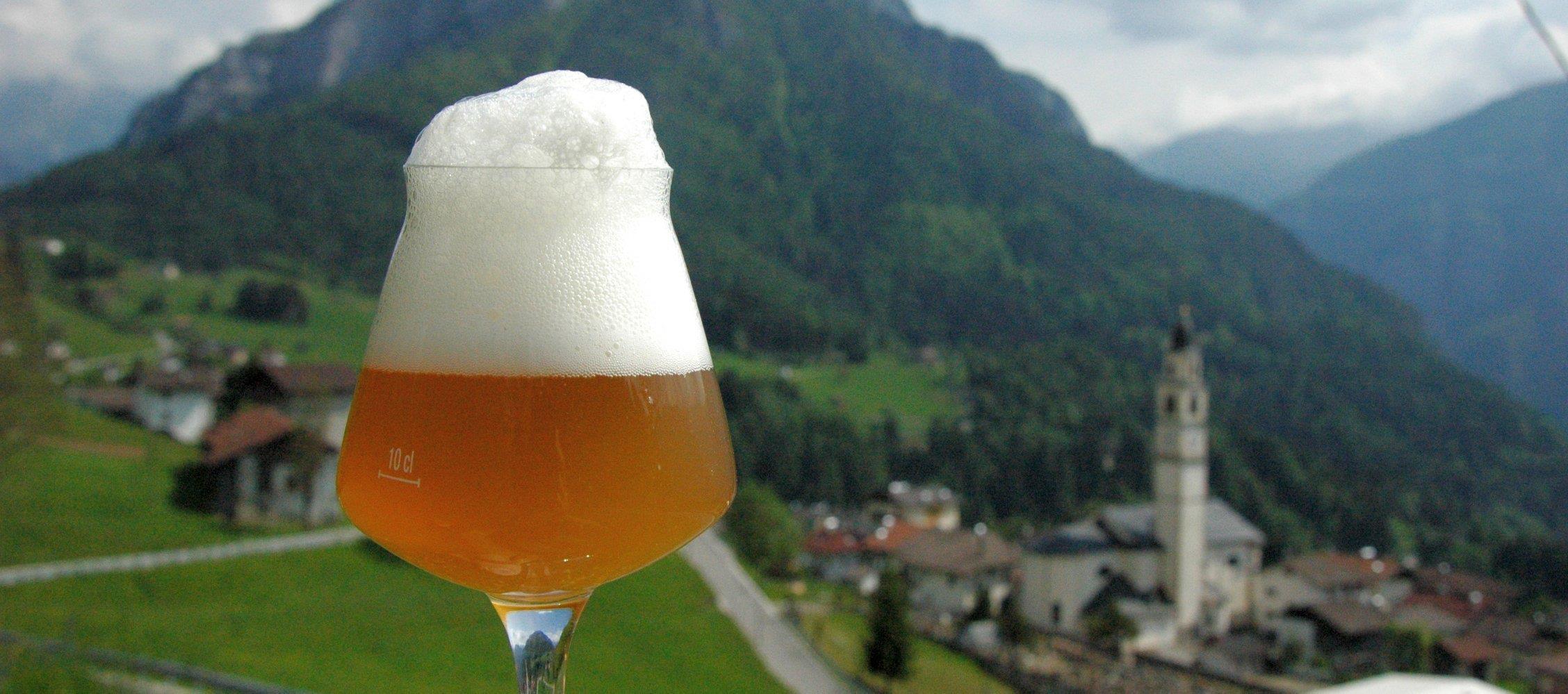 """Domani nel cuore del Trentino """"Una montagna di birra"""": Festival dei Birrifici Artigianali di Montagna!"""