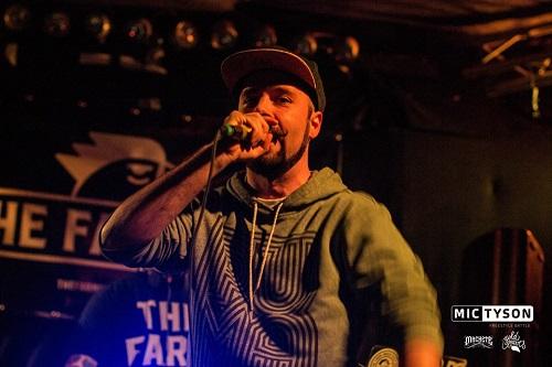 """La birra artigianale diventa Rap: la performance artistica """"fuori stile"""" di Posaman"""