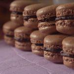 Macarons al cioccolato e milk stout