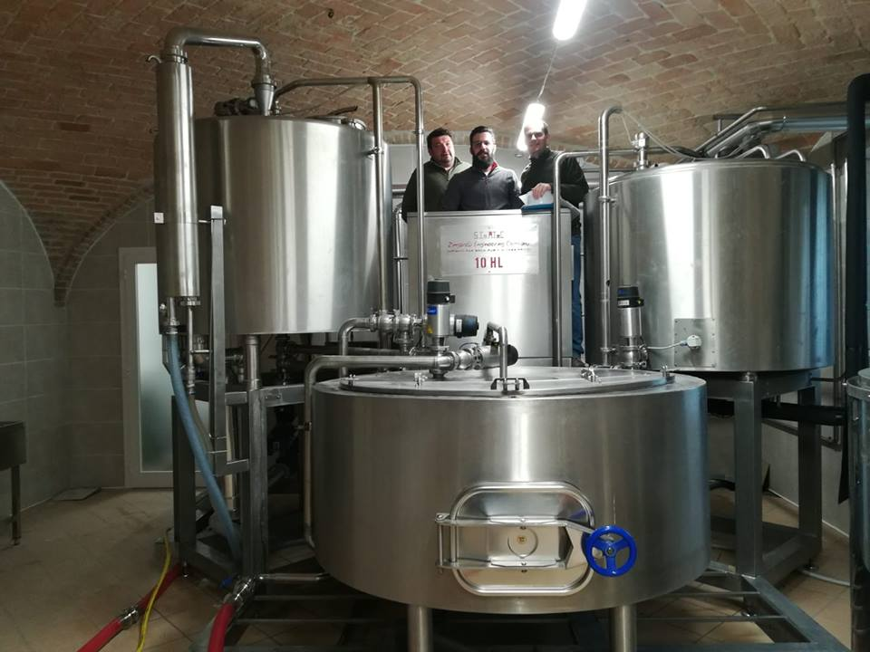 Cotta inaugurale per Cascina Motta: è piemontese il primo birrificio italiano a produrre e trasformare in azienda tutte le materie prime per le proprie birre!