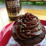 Muffins allo sweet stout con il frosting al mascarpone e cioccolato