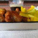 Bocconcini di pollo alla birra e curry con riso aromatico italiano