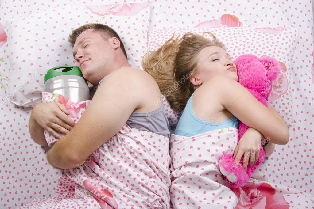 Mette il lassativo nella birra del marito per farlo smettere di bere…