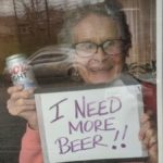 """I need more beer"": la 93enne star del web dalla Pennsylvania!"