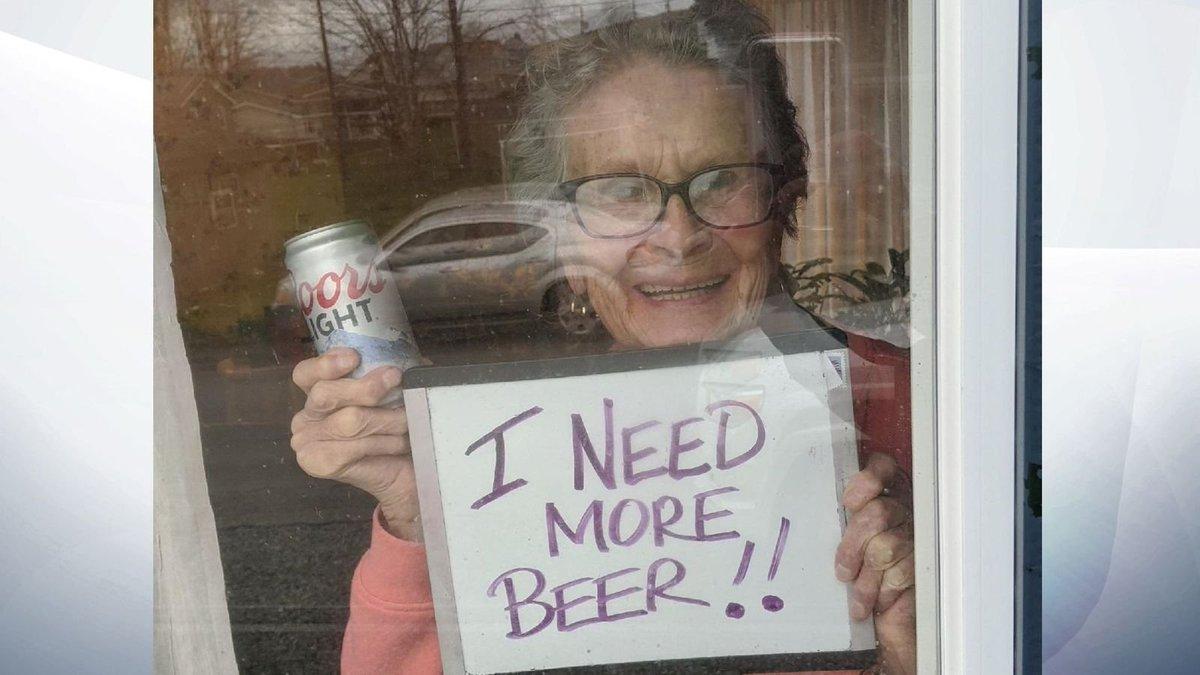 """I need more beer"": la 93enne star del web dalla Pennsylvania!"