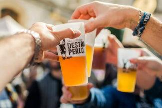 Destraperlo: storie iberiche di asini, contrabbando e birra sociale