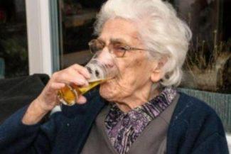 Chi beve birra campa cent'anni