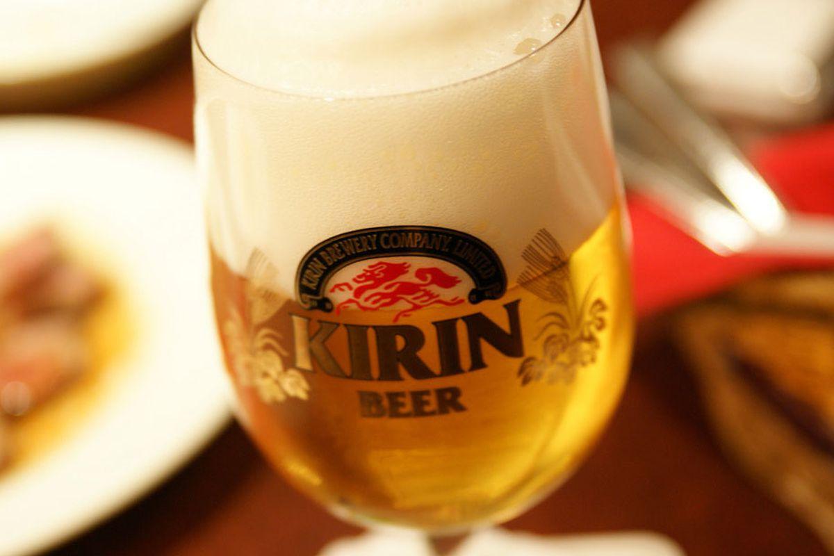 L'azienda di birra giapponese Kirin non vuole più finanziare l'esercito del Myanmar