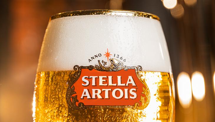 Stella Artois lancia la versione digitale del Draught Masters 2021: Una sfida a colpi di spillatura per i professionisti della ristorazione