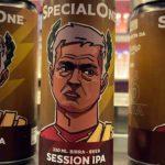 """I tifosi della Roma brindano con la """"Specialone"""": la birra omaggio a Mourinho!"""
