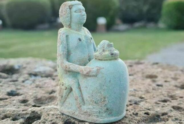 """Scoperta a Vulci la tomba della """"ragazza della birra"""": Ha 2600 anni!"""