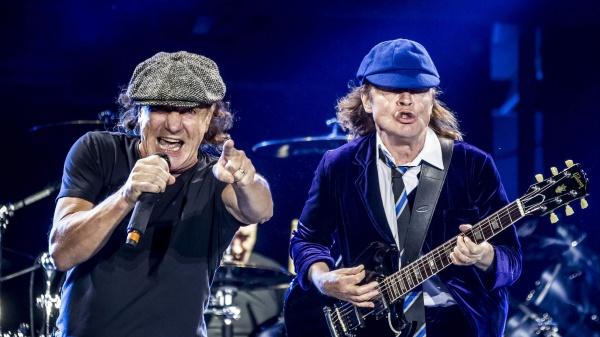 La storica rock band australiana lancia due birre ufficiali: la AC/DC PWR UP e la AC/DC TNT